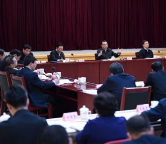 李克强考察财政部、税务总局并主持召开座谈会